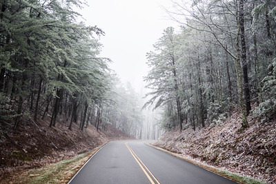 Light snow in the mountains of Foothills Parkway - December 19, 2016.