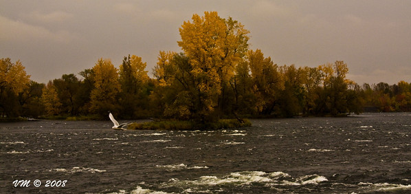 Fall on the Richelieu River (Chambly, Canada)