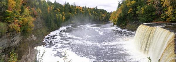 Tahquamenon Falls   Paradise, Michigan   US  - 0041