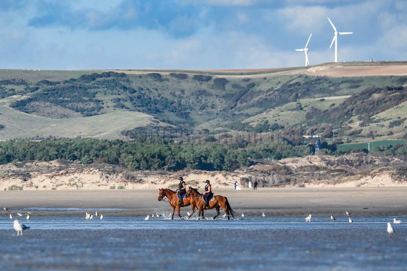Kite-surf et Equitation à la plage nord © 2020 Eric Desaunois, tous droits reserves