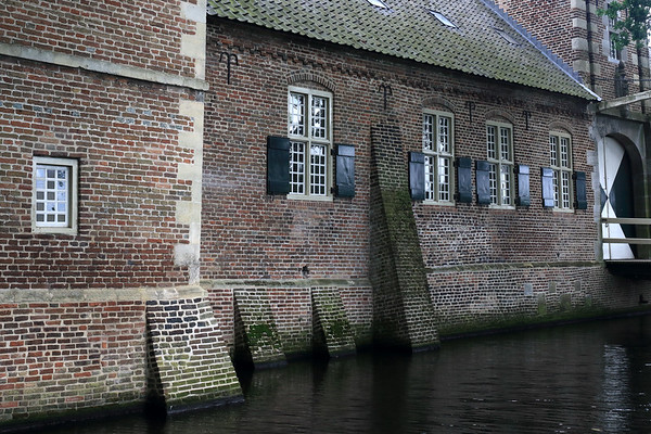 Southern gate entrance beyond/over the moat - Gemert Castle.