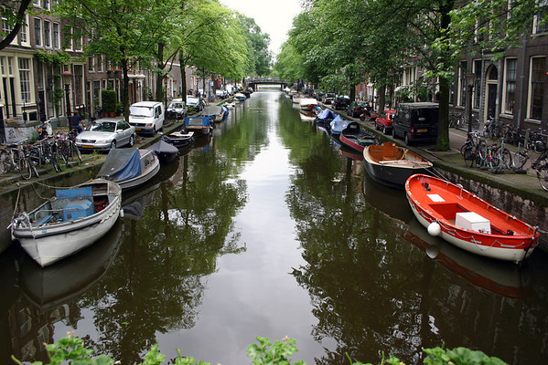 Side canal in the Grachtengordel (Canal Ring) district - Amsterdam