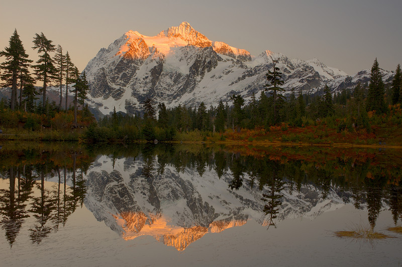 SUNSET AT MOUNT SHUKSAN