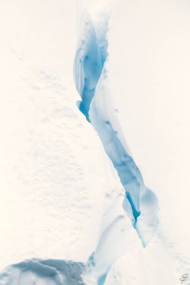 Arctic crevice