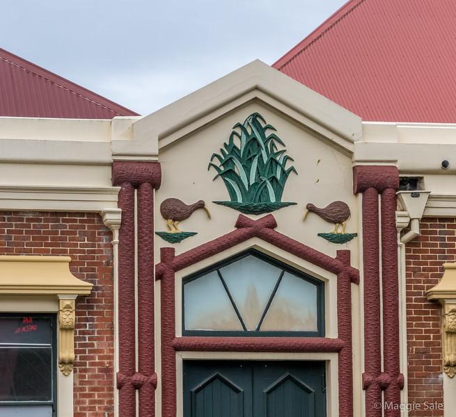 Kiwi  style Art Deco building in Dunedin!