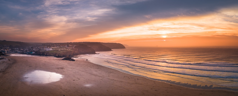Thought I'd try and catch a few aerial shots of a sunset 🌅 at (beautiful) Perranporth beach. It didn't disappoint.