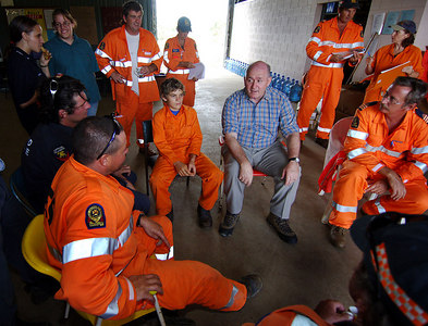 26 MAR 2006 MALANDA, QLD - General Peter Cosgrove visits relief workers on the Tablelands, west of Innisfail - PHOTO: CAMERON LAIRD (Ph: 0418238811)