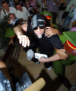 02 MAR 2006 VUNG TAU, VIETNAM - Gary Glitter arrives for the first day of his trial in Vung Tau, Vietnam - PHOTO: CAMERON LAIRD (Ph: +61 418238811)