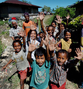 04 MAY 2005 AKEL VILLAGE, FLORES, INDONESIA - Children from Akel, high in the mountains of Flores, Indonesia - PHOTO: CAMERON LAIRD