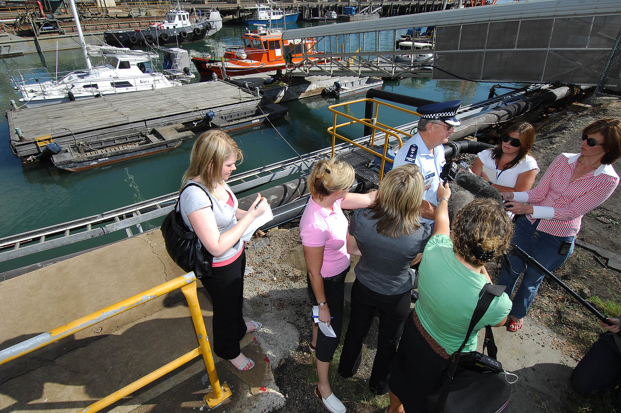 21 APR 2007 Townsville, QLD - Chief superintendent Roy Wall speaks to media as 9.8m catamaran Kaz II is examined by forensic police at Townsville port - PHOTO: CAMERON LAIRD (Ph: 0418238811)