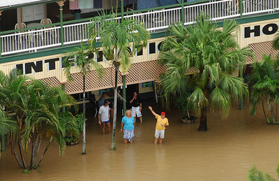 03 FEB 2007 Townsville, QLD - Flooding in the north Queensland sugar town of Giru.  Patrons at the Giru International Hotel - PHOTO: CAMERON LAIRD (Ph: 0418238811)