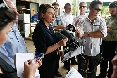 24 February 2009 Townsville, Qld - Queensland premier Anna Bligh visits Townsville firm Pacific Coast Engineering on the first day of campaigning ahead of the March 21 election - Photo: Cameron Laird (Ph: 0418 238811)