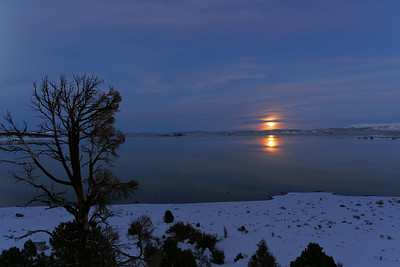 Mono Lake Moon Rise