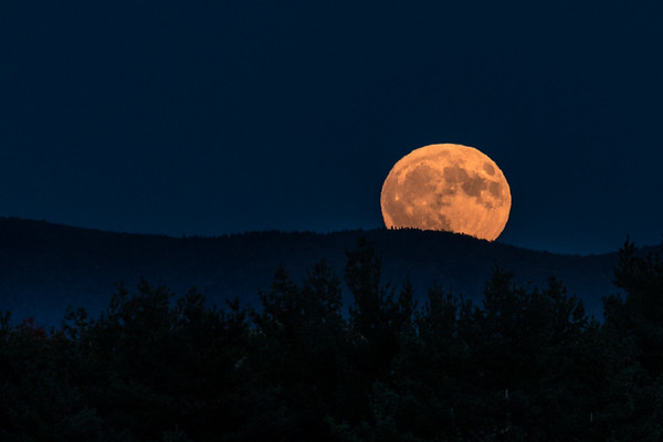Supermoon Ridge Rise
