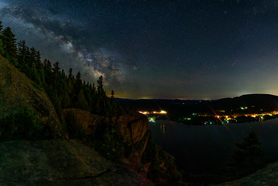Milkyway over Mont Pinacle