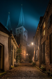 Bergkerk, Deventer, in de mist