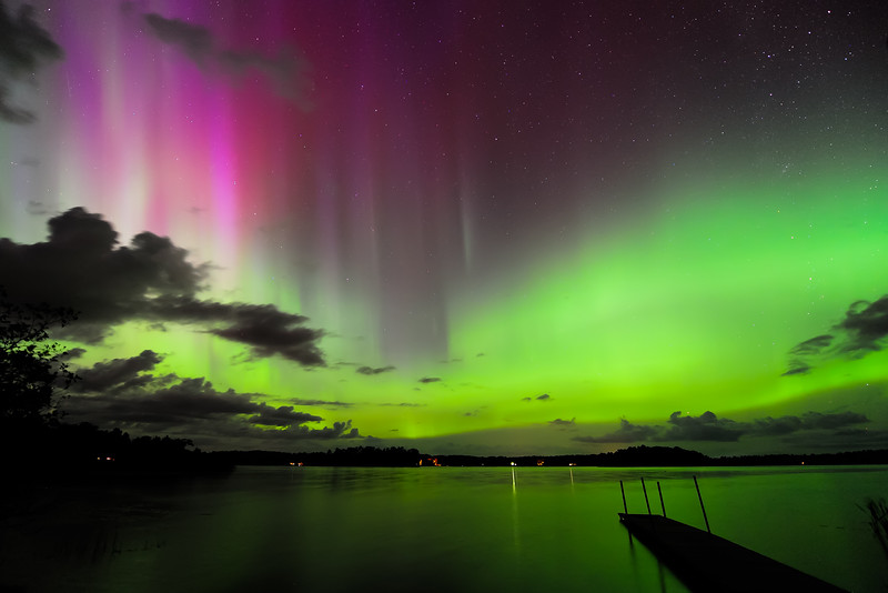 Aurora over Pioneer Lake 01