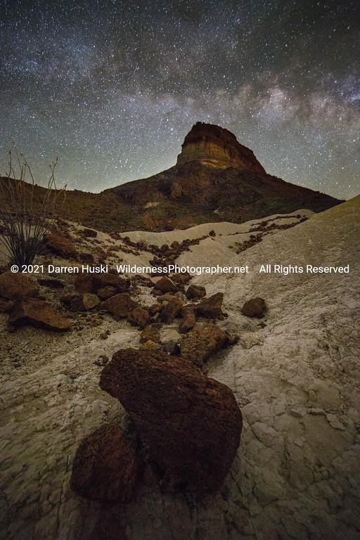 Cerro Castellan and Milky Way