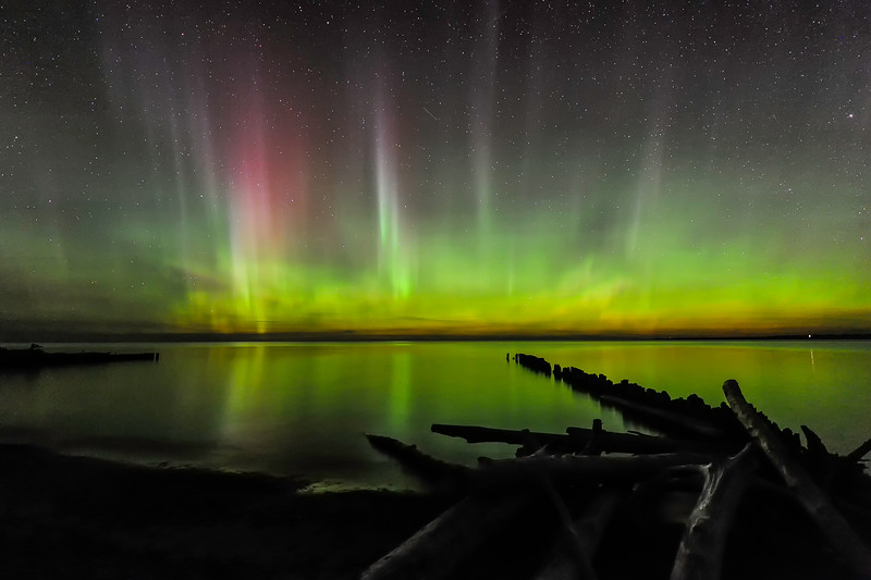 Auroras over Whitefish Point 01