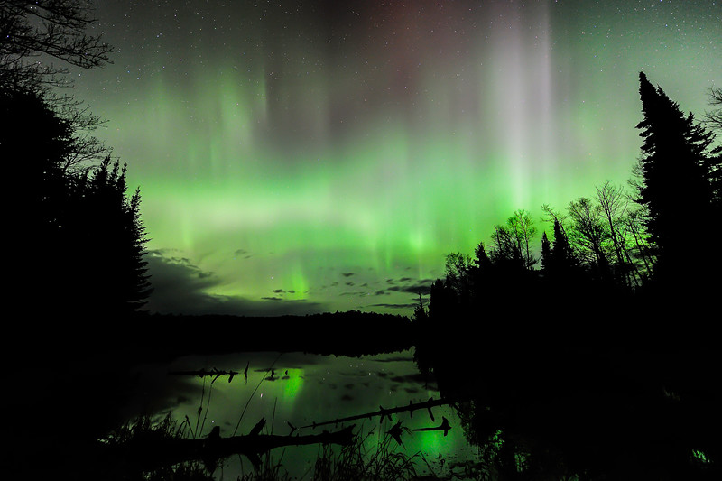 Aurora over Helen Lake 01