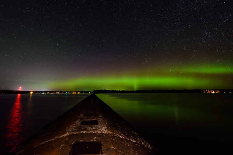 Aurora over Jacobsville breakwater 01