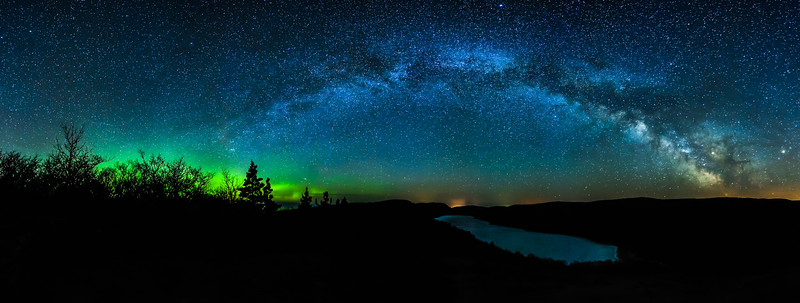 Milky Way and Aurora over Lake of the Clouds 01
