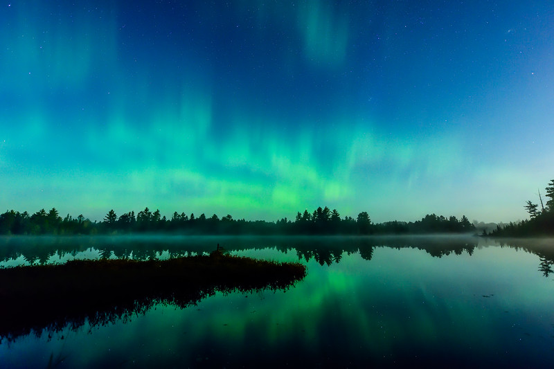 Aurora over Chamberlain Lake 01