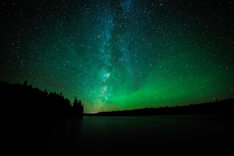 Milky Way and air glow over Sun Lake 01