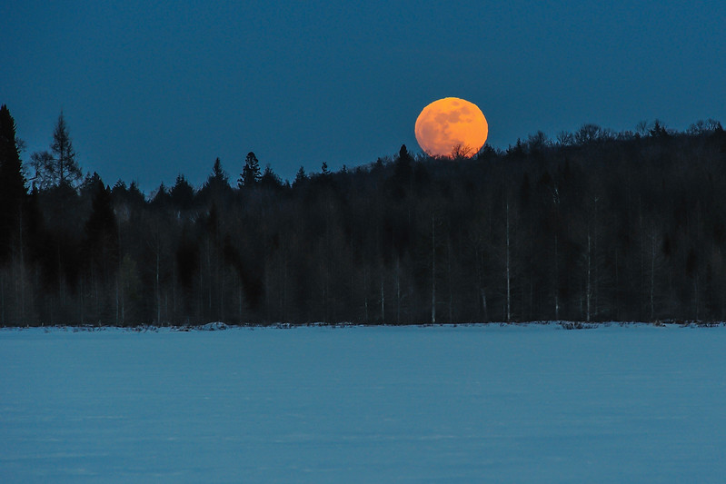 Snow Moon rising over Lac Vieux Desert 01