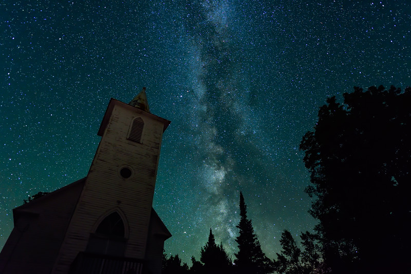 Milky Way over Bethany Church 01