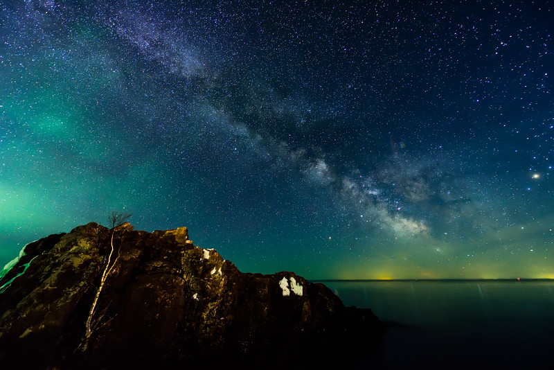 Milky Way and Aurora over Lake Superior 01