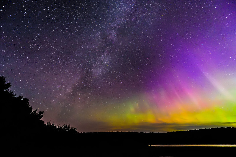 Aurora and Milky Way over Smokey Lake 01