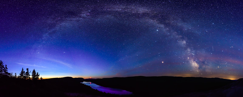 Milky Way panorama over Lake of the Clouds 01