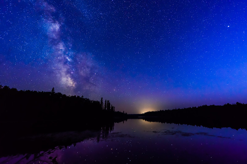 Milky Way during the blue hour over Sun Lake 01