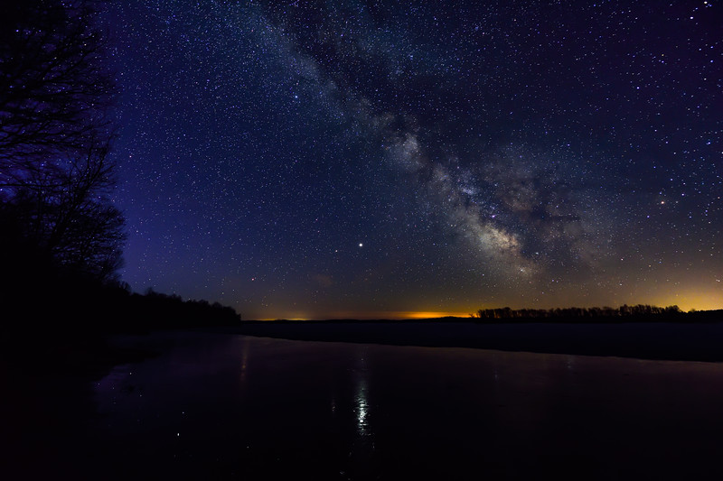Milky Way over Bond Falls Flowage 01