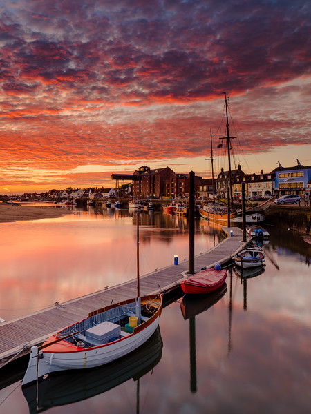 Wells Harbour Dawn
