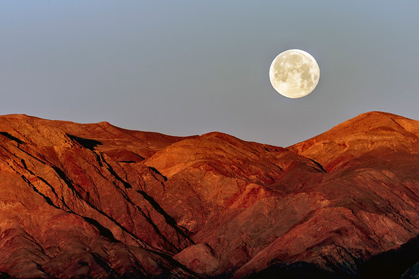 Moonset at Zabrinskie Point