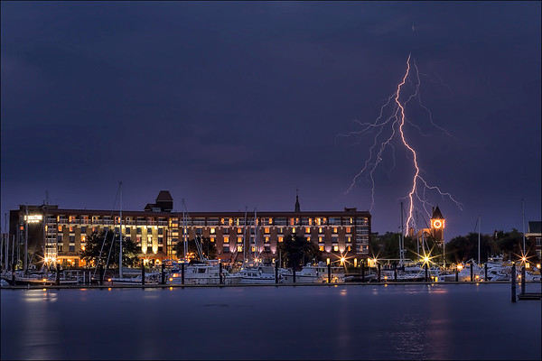Lightning strike, New Bern