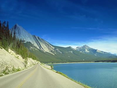 Medicine Lake, Jasper National Park (1)