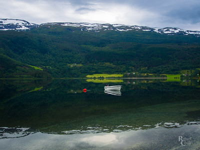 The Stillness of Vangsvatnet