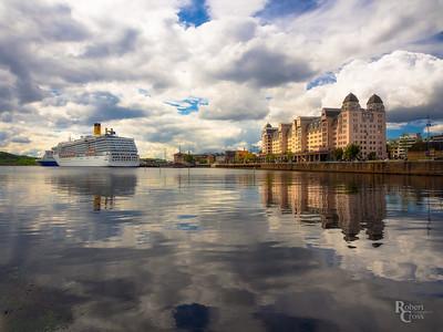Reflecting on the Oslofjord