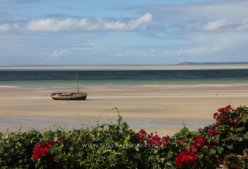 Low Tide<br /> Vilanculos, Mozambique