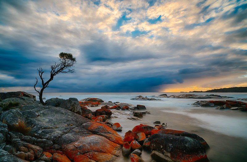 Sunrise over the Bay of Fires