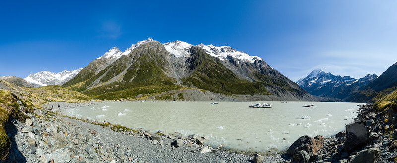 Icebergs float in Hooker Valley lake, Aoraki Mt. Cook National Park.