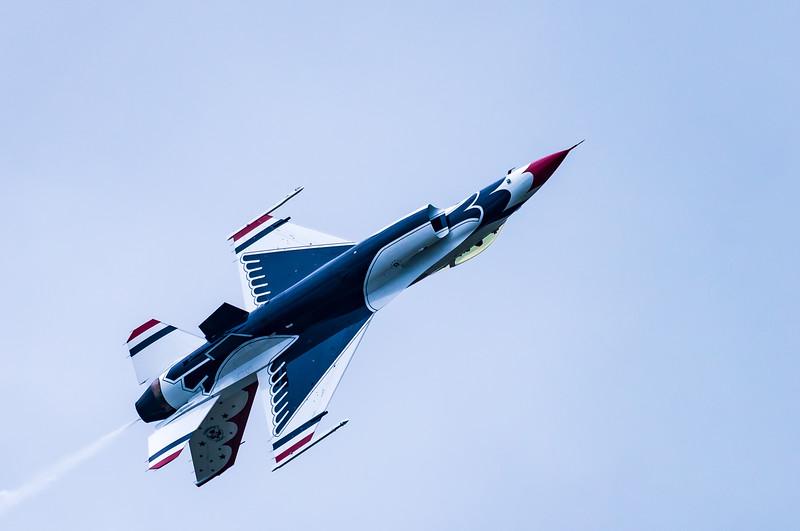 Upside Down USAF Thunderbird #6 ~ Air Show ~ Willow Run Airport, Michigan