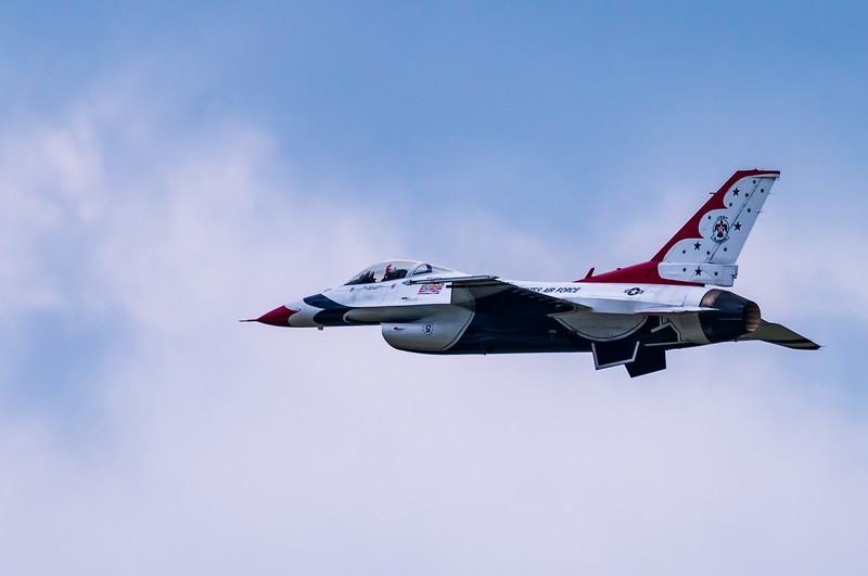 USAF Thunderbird No. 5 ~ Thunder over Michigan Air Show ~ Willow Run Airport, Michigan