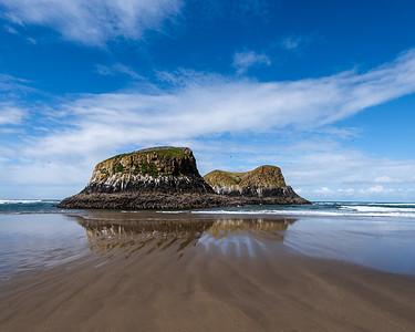 Seastacks at low tide, Ecola state Park, Oregon