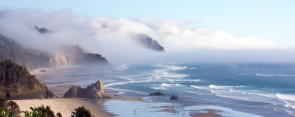 Oregon Coast, Clouds Moving Up