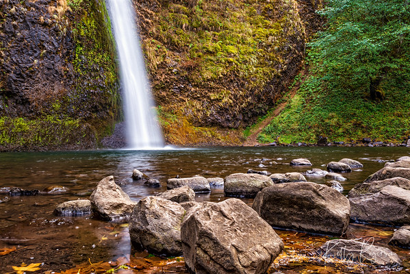 Horsetail Falls, Multnomah Highway, Oregon along Columbia River