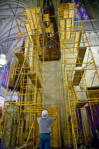 051 Duke Chapel - Aeolian Installation 4-3-08